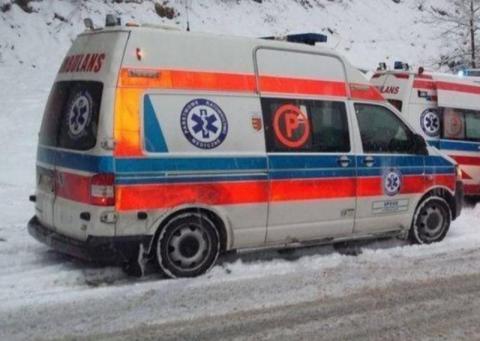 Groźny wypadek w Maciejowej. Samochodem jechała matka z dzieckiemGroźny wypadek w Maciejowej. Samochodem jechała matka z dzieckiem