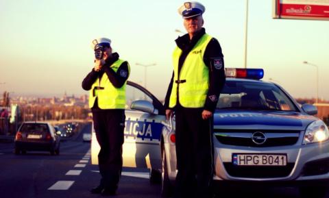 Kierowcy noga z gazu! Policjanci prowadzą kaskadowy pomiar prędkości