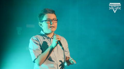 Bartłomiej Wolak uwielbia śpiewać. W przyszłości chciałby pracować na lotnisku