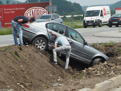 Znów kraksa na krajówce w Łososinie Dolnej. Roztrzaskana Honda i BMW [ZDJĘCIA]