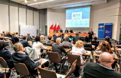 konferencję na temat funkcjonowania i wdrożenia Pracowniczego Planu Kapitałowego