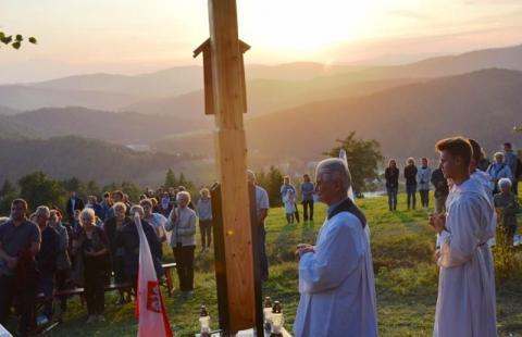 """czytaj też:Pogrzeb ks. Gurgacza. Na pochówek kapelana """"Żandarmerii"""" czekaliśmy 72 lata"""