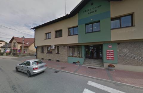 Łącko w czołówce zakażeń. Koronawirus zamknął urząd gminy