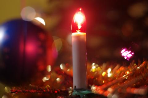 Lampki łączące pokolenia. Świecą na choince już od 57 lat
