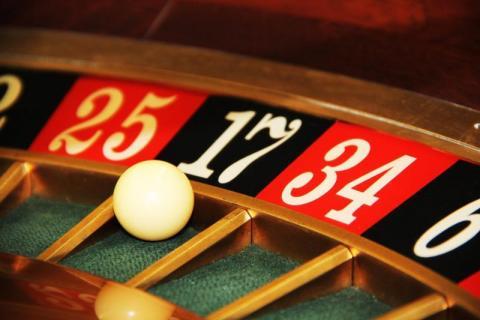 Wielka wygrana kontra wielkie ryzyko. Jaką decyzję podejmiesz?