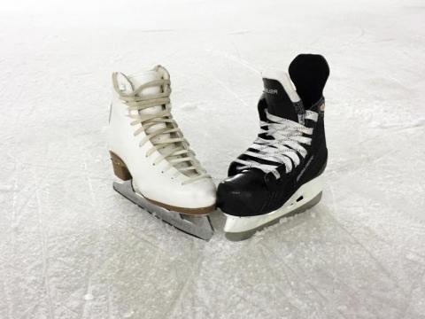 Aktywność fizyczna w zimie. Co powinieneś wiedzieć zanim założysz łyżwy?