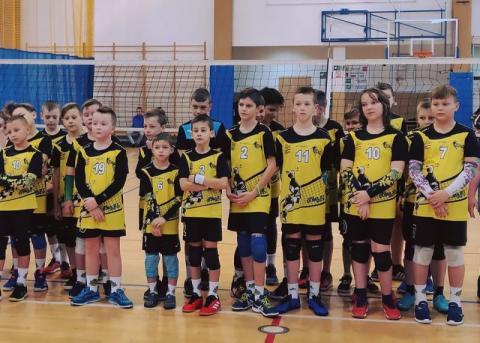Sukcesy młodych siatkarzy z SKPS Dunajec