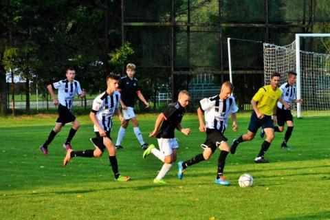 Sądecka młodzież piłkarska w czołówce tabeli w swoich kategoriach wiekowych