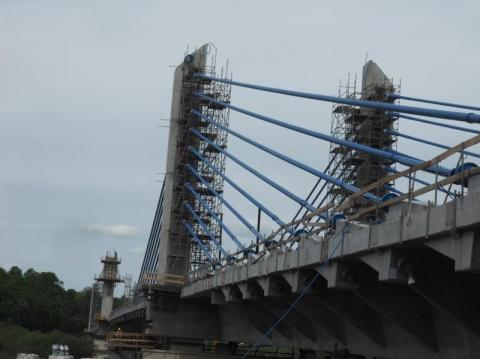 To było niesamowicie trudne. Zamontowali wanty na moście w Kurowie WIDEO ZDJĘCIA