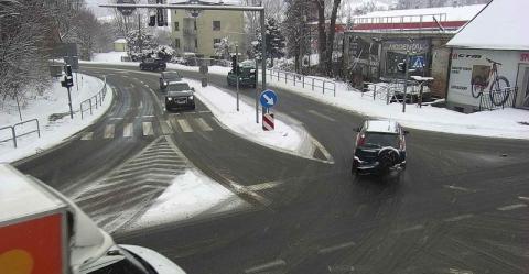 Drogowcy walczą ze śniegiem na powiatówkach w Gorlicach i Limanowej [ZDJĘCIA]