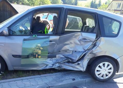 Nowa Wieś: Zderzenie dwóch pojazdów, jedna osoba w szpitalu
