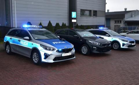 Sądeccy policjanci otrzymali trzy nowe radiowozy. Jeden jest nieoznakowany