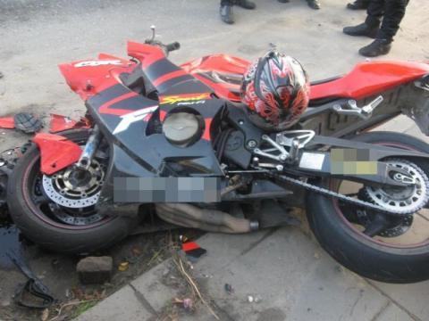 Motocyklista ratował się wywrotką. Co się stało w Powroźniku?