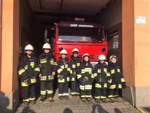 W szeregi OSP Jasienna wstąpili najmłodsi strażacy. Przed nimi wielkie wyzwanie