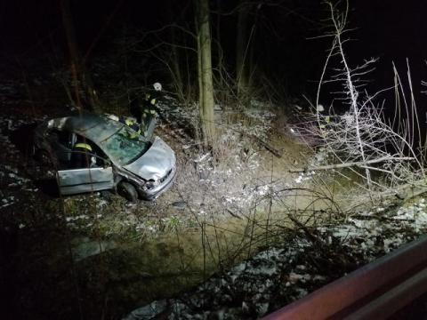Samochód wypadł z drogi