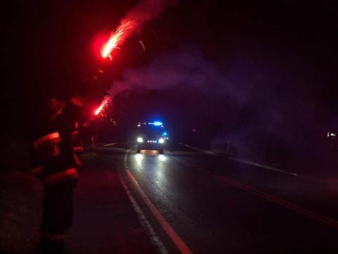 Nowa Wieś: OSP dostała nowy wóz strażacki. Witali go szampanem i fajerwerkami