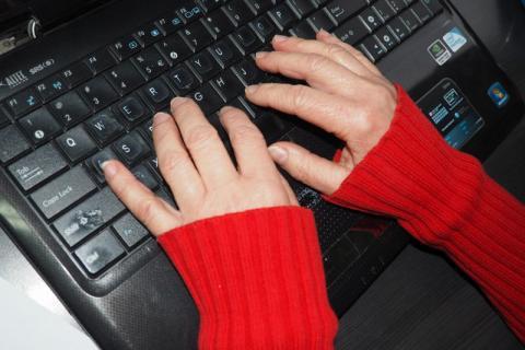 Uważajcie na oszustów internetowych. Co zrobić żeby nie dać się oszukać?