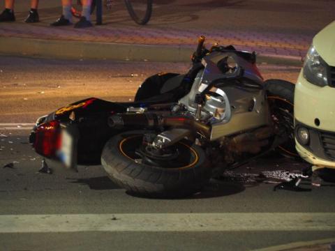 Dramatyczny wypadek w Nowym Sączu. Ranny motocyklista [ZDJĘCIA]
