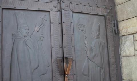 Jest trwoga, a Boga nam zamknęli w kościele