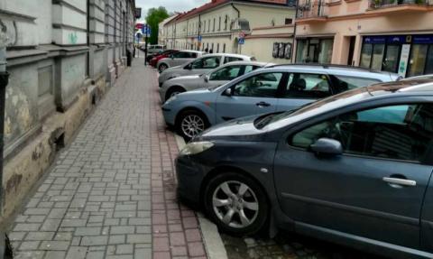 Nowy Sącz: rada miast zniosła wreszcie opłaty w strefie płatnego parkowania!