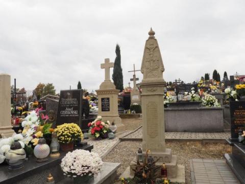 Statystyki zgonów w Podegrodziu zatrważająco pikują. Kiedy było najgorzej?