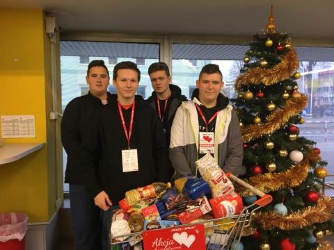 Serce-Sercu: Wolontariusze z Samochodówki rozdają serduszka