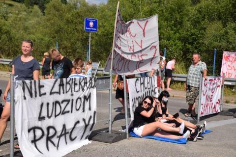 czytaj też: Słowacy zamykają małe przejścia graniczne, szykuje się protest w Leluchowie