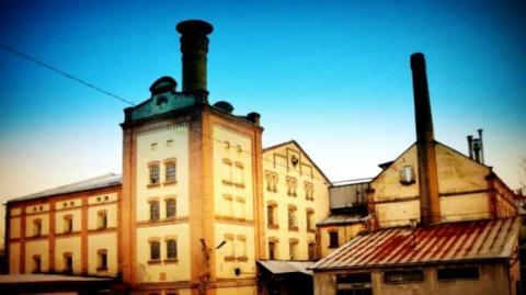 Piwny biznes w Grybowie w czasach zarazy z prezesem uwięzionym na Słowacji