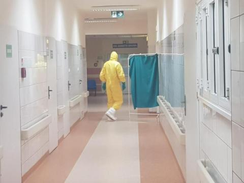 Pacjentka z objawami koronawirusa w sądeckim szpitalu.