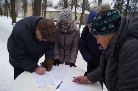 Sądeczanie od stycznia składają podpisy pod apelem o przywrócenie wojska na Sądecczyznę