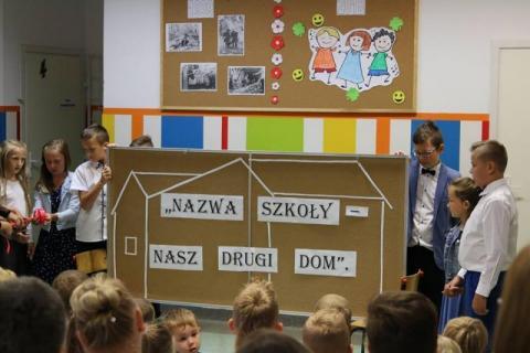 Szkoła w Polanach