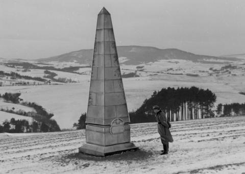 """""""Węgierskie Monte Cassino""""- bitwa na wzgórzu Jabłoniec w pracy Marii Piekarczyk"""