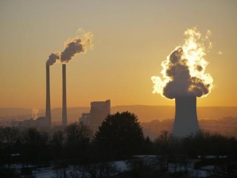 Sposoby Holendrów na walkę z CO2: uderzą w wielki koncern nakazem sądowym