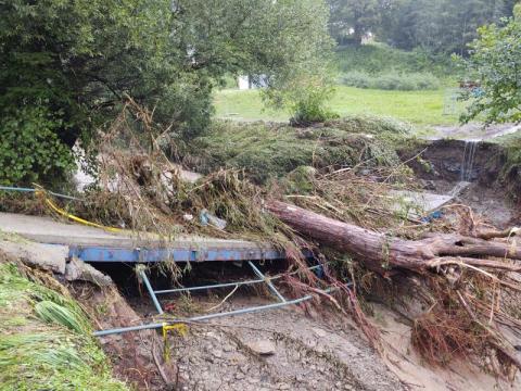 Znów powódź na Sądecczyźnie. Podtopione budynki, uszkodzone drogi... [ZDJĘCIA]