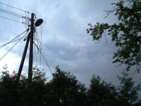 Halny szaleje. Coraz więcej gospodarstw bez prądu