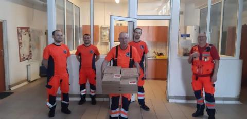 Razem możemy więcej! Przekazaliśmy pyszne pizze pracownikom SOR i pogotowia