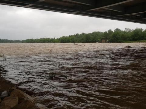 Grybów i Gorlice: wysoki stan lokalnych rzek. Wydane zostały ostrzeżenia
