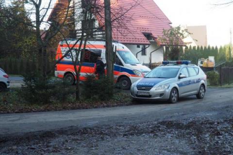 Policjanci znaleźli zwłoki mężczyzny. Ciało leżało już od dłuższego czasu