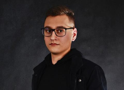 """Młody sądecki pisarz Sebastian Kaleta debiutuje. """"Złote myśli"""" już 28 września"""