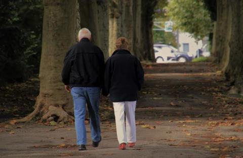 """Rząd uruchomił """"Korpus Wsparcia Seniorów"""". Jak będzie działał?"""
