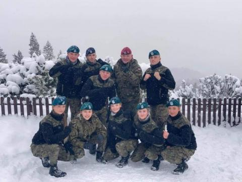 Nadzwyczajni: Sławomir Szczerkowski o tym, czemu mundur robi na młodych wrażenie