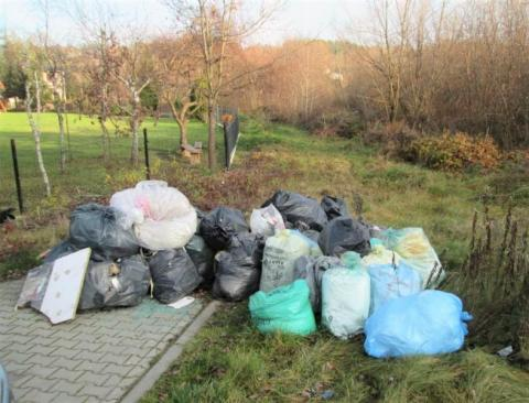 Radni Gródka przegłosowali stawki za śmieci. Mieszkańców czeka drenaż kieszeni?