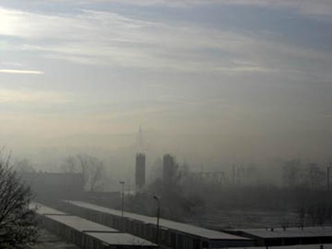 I znowu ogłosili smogowy alarm w Nowym Sączu.  Sobotę lepiej spędzić w domu