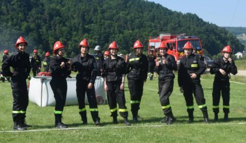Odważni i wysportowani strażacy ruszyli do walki. Stawką nie było ludzkie życie
