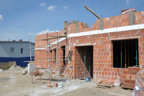 Rosną mury strażnicy OSP w Nawojowej
