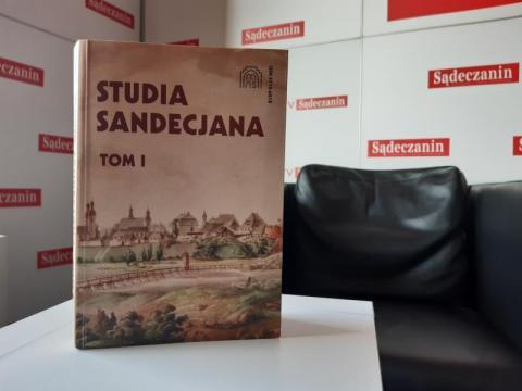 """Naukowo o Sądecczyźnie. Nowy rocznik """"Studia Sandecjana"""" od Muzeum Okręgowego"""