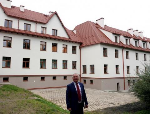 Szkoła w Marcinkowicach po liftingu