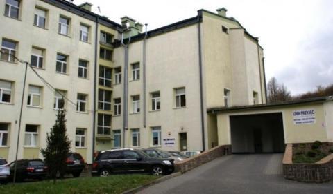 Walczą z koronawirusem w szpitalu w Krynicy. Sytuacja opanowana
