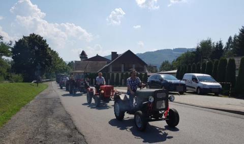 Parada traktorów, atrakcja, Łącko, Święto Owocobrania, fot. Iga Michalec