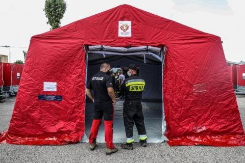 Strażacy z OSP dostali namioty dla zakażonych koronawirusem